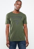 GUESS - Short sleeve core triangle tee - green