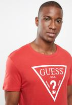 GUESS - Core triangle short sleeve tee - red