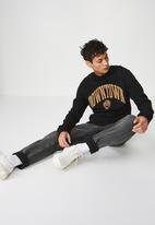 Cotton On - Downtown crew fleece - black