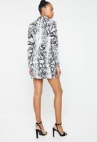 Missguided - Snakeskin blazer dress - grey