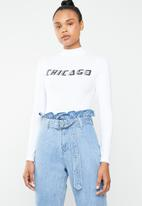 Missguided - Chicago high neck long sleeve bodysuit - white