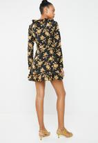 Missguided - Ruffle tea dress - black & yellow