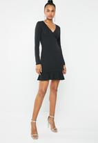 Missguided - Wrap front side button frill dress - black