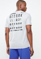 Reebok - Ost speedwick move T-shirt - grey