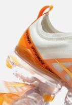 Nike - Nike w Air Vapormax 2019 - Summit white / Topaz gold - orange