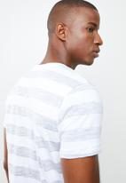 STYLE REPUBLIC - Casual stripe T-shirt - grey & white
