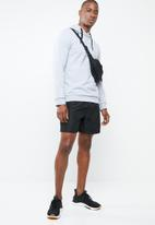 Asics - Essential french terry gxp hoodie - grey