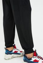 c(inch) - Casual jogger - black