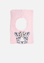 Cotton On - Sugar and spice leopard face bib - pink