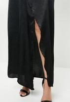 Missguided - Wrap front maxi dress - black