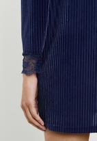ONLY - Keshia long sleeve pleated dress - blue