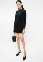 ONLY - Keshia long sleeve pleated dress - black