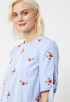 Superbalist - Tie sleeve blouse - blue & white