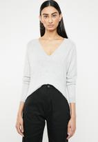 ONLY - Laura long sleeve v-neck pullover - grey