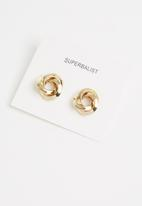 Superbalist - Angelique twirl circle earrings - gold