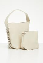 Superbalist - Chain detail tote bag - beige