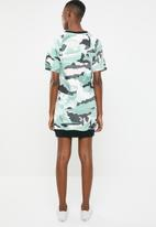 New Balance  - Essential aqua camo dress - multi