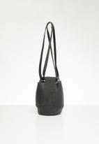 Superbalist - Uma bucket bag - black