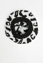 Superbalist - Animal print beret - black & white