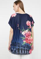 Revenge - Batwing floral T-shirt - multi
