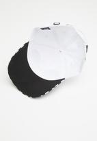 Vans - Checkerboard mickey court side hat - white & black