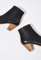 Cotton On - Faux leather ankle boot - black