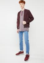Jack & Jones - Giovanni long sleeve granddad tee - burgundy