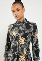 Revenge - 3/4 sleeve flared maxi shirt dress - multi