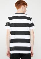 Superbalist - Wide stripe tee - black & white