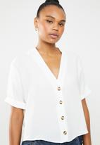 New Look - Peggy button detail boxy shirt - white