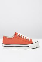Cotton On - Jodi platform low rise sneaker - orange
