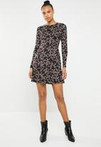 New Look - Long sleeve fit and flare dress - multi