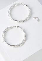 Cotton On - Majorca earring - silver
