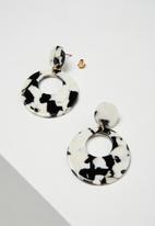 Cotton On - Tokyo earring - black & white