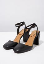 Cotton On - Faux leather square toe heel - black