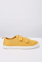 Cotton On - Canvas double strap plimsoll - yellow