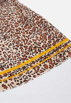 Cotton On - Maddie mid weight leopard print scarf - brown & yellow