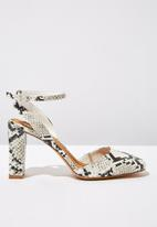 Cotton On - Snakeskin faux leather square toe heel - black & white