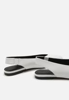 MANGO - Pointed leather slingback - white