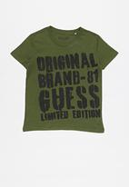 GUESS - Origanal brand tee -olive