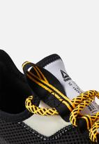 Reebok - Sole Fury - Black / white / solar gold