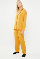 Superbalist - Sleep shirt & pants set - mustard