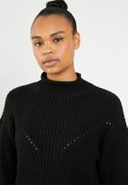 Superbalist - Funnel neck knit with side slits - black