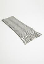 Superbalist - Check scarf with fringes - grey & pink