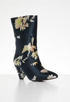 Plum - Floral print boot - navy