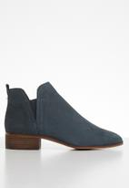 ALDO - Leather slip-on ankle boot - navy