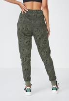 Cotton On - Snake gym track pants  - green
