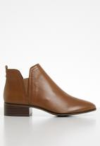 ALDO - Leather slip-on ankle boot - brown
