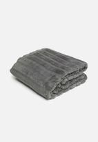 Hertex Fabrics - Mink faux fur throw - charcoal