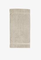Club Classique - Grace bath towel - cement